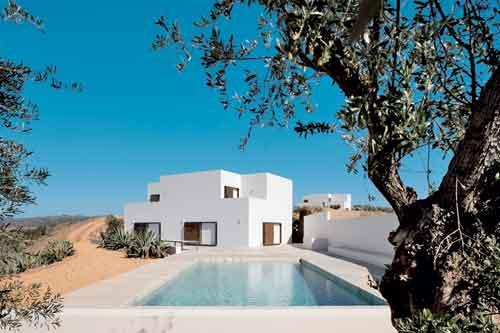Ricardo Bak Gordon, Due case in località Casa Queimada, Tavira 2002-07. Foto di Leonardo Finotti