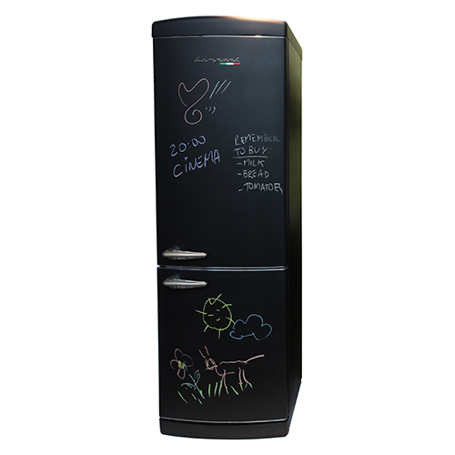 Il frigorifero diventa un social network familiare dove tutti possono lasciare messaggi. Si chiama Scrivimi ed è l'ultimo nato in casa Bompani (1.900 euro)