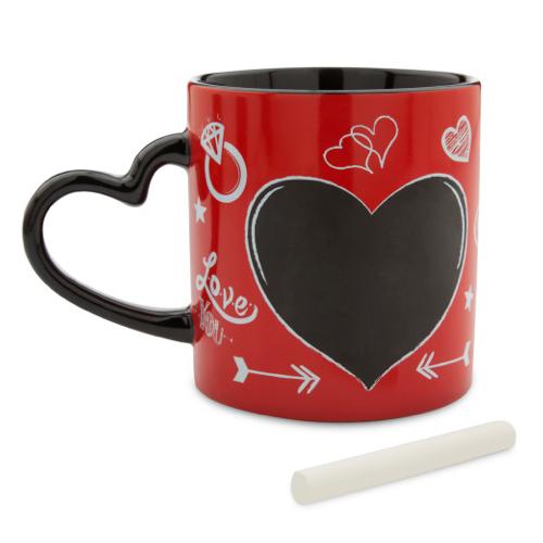 Per i più romantici: scrivete un messaggio d'amore dentro il cuore della tazza. Disponibile nei Disney store (13,90 euro)