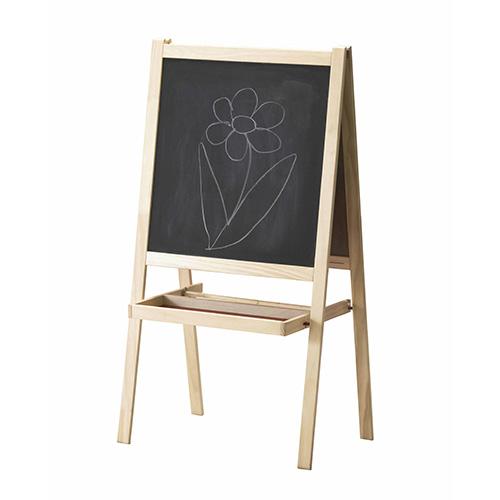 Come a scuola, ma in versione mini. Per i futuri pittori il cavalletto Mala di Ikea (19,99 euro)
