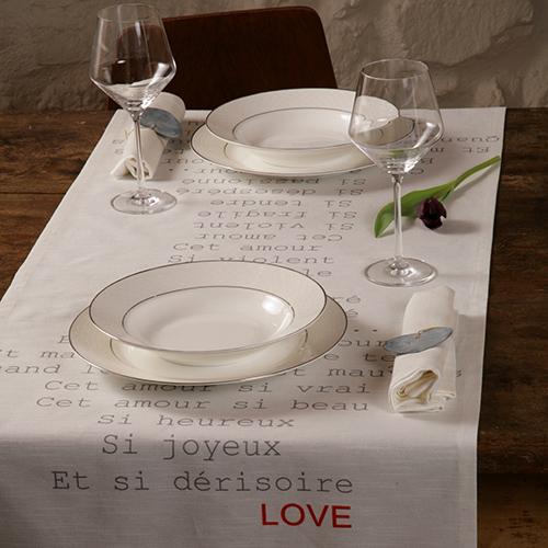 """Sul Runner """"Cet Amour"""" di Tablecloths.it un messaggio d'amore (45 euro)"""