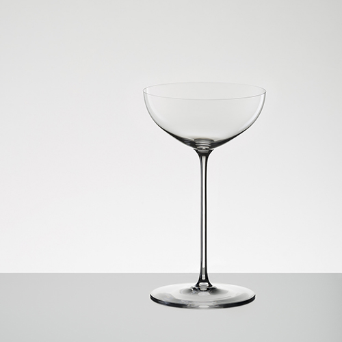 Coronate la cena con un brindisi a base di Moscato con il calice Riedel Superleggero studiato per questo tipo di vino (80 euro)