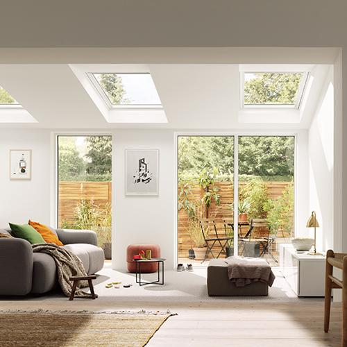 3. Il tetto in cinque giorni: risanando quello esistente oppure creandone uno nuovo. Le finestre per tetti Velux portano luce e ventilazione