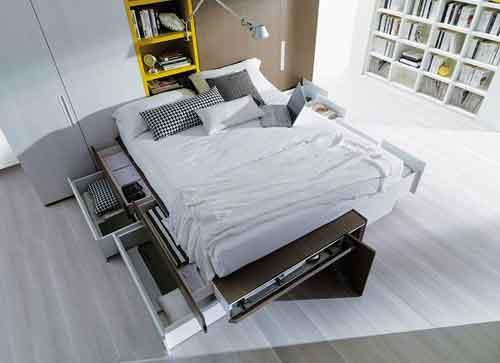 Dielle, Cargo della Collezione Modus. Un letto che misura 175 cm in larghezza e 227 cm in lunghezza, ma ha una capacità contenitiva di 540 litri. È infatti dotato di ben 4 cassetti a sinistra, 2 cassettoni a destra e un elemento scorrevole indipendente