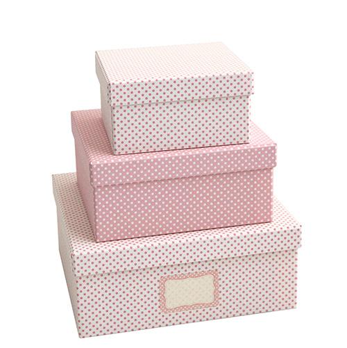 Le scatole in cartone con etichetta di Tassotti  aiutano a catalogare e a trovare più facilmente ciò che serve (a partire da 30 euro)