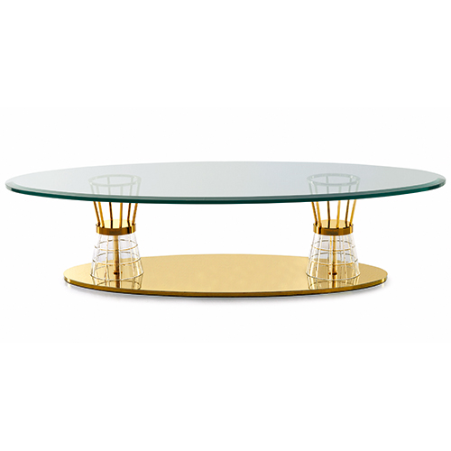 Tre materiali preziosi per il tavolo basso di Zanaboni: base in acciaio bagno oro 24 carati, coni in cristallo e top in marmo Calacatta