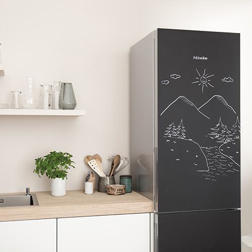 """Per lasciare messaggi a tutta la famiglia: l'edizione """"BlackBoard"""" dei nuovi frigoriferi K 20.000 di Miele si caratterizza per la verniciatura nera sulla quale si può scrivere con i gessetti tradizionali o appositi pennarelli"""