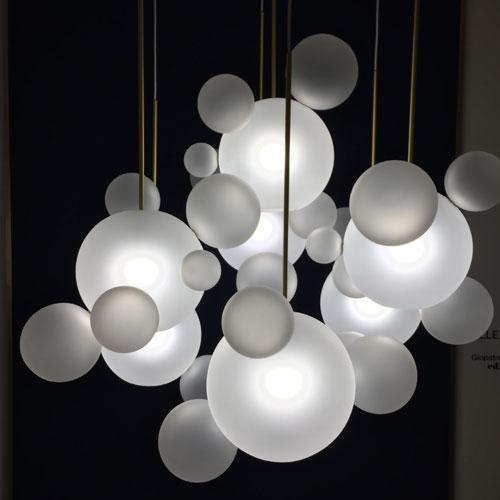 """""""Bolle di luce"""" di Jopato & Coombers"""