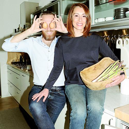 Coppia nella vita e nel lavoro, Cinzia Cumini e Vicente Garcìa Jiménez vivono a Udine, dove si sono conosciuti