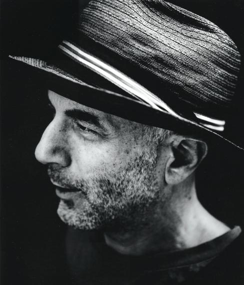 Premio internazionale Compasso d'Oro alla Carriera a Ron Arad, designer, architetto e artista israeliano di fama internazionale, creativo di prodotti sempre innovativi per estetica e ricerca tecnologica. Nel 2013 è divento membro della Royal Academy of Art di Londra.