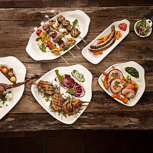 Il ricco servizio di piatti della collezione BBQ Passion di Villeroy & Boch accontenta tutte le portate, da quelle pensate appositamente per il pesce, a quelle per le verdure e alle ciotole per servire le patate (da 12.90 euro)