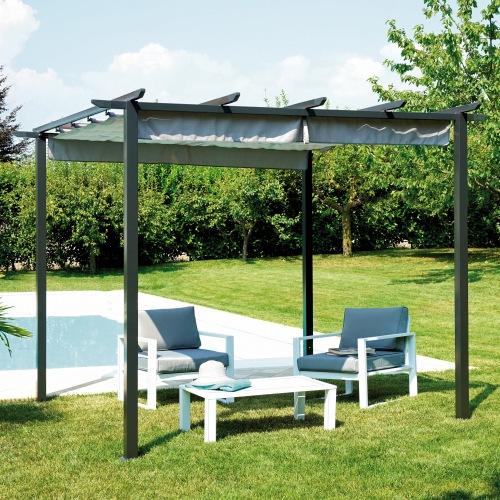 Il tetto della pergola di Greenwood si apre e si chiude a piacere, potendo così usufruire dell'ombra o del sole a seconda delle esigenze