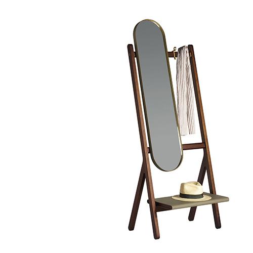 Specchio e appendiabiti con ripiano per piccoli oggetti o vuotatasche: questo mobile polifunzionale della collezione Ren di Neri & Hu per Poltrona Frau si candida per stare negli angoli in prossimità dell'uscita
