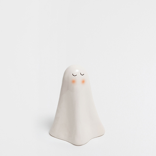 In un party di Halloween davvero perfetto non possono mancare tra i vostri ospiti dei fantasmi (di Zara Home, 11,99 euro)