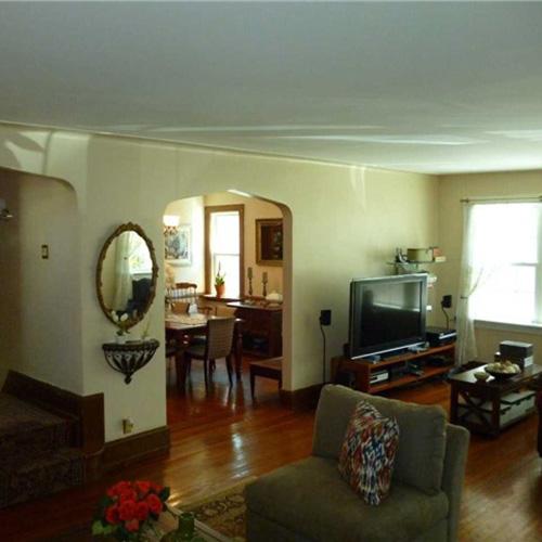 La casa si sviluppa su una superficie di oltre 230 metri quadrati