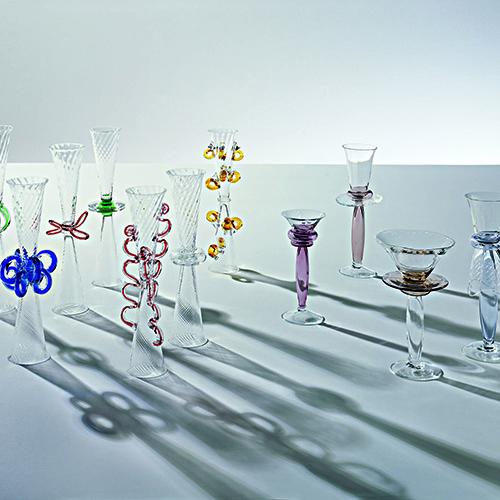I bicchieri in vetro soffiato disegnati da Borek Sipek per Driade