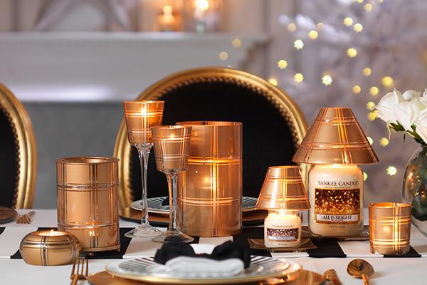 Le candele si sa, sono le protagoniste del Natale. Da Yankee Candle una collezione che si ispira alle sfumature calde dei metalli