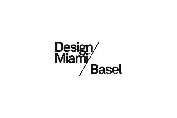 Collezionisti, galleristi, designer, curatori e critici si incontrano ad Art Basel, una delle fiere d'arte più importanti del mondo: a Miami negli Stati Uniti ogni dicembre, e Basilea in Svizzera ogni anno a giugno