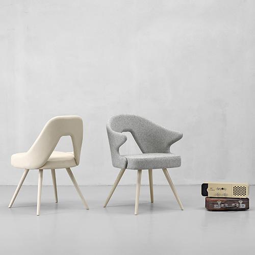 Scab Design, che quest'anno festeggia 60 anni, lancia diversi prodotti tra questi Me (in foto) e You, rispettivamente sedia e poltroncina disegnate da Simone Micheli