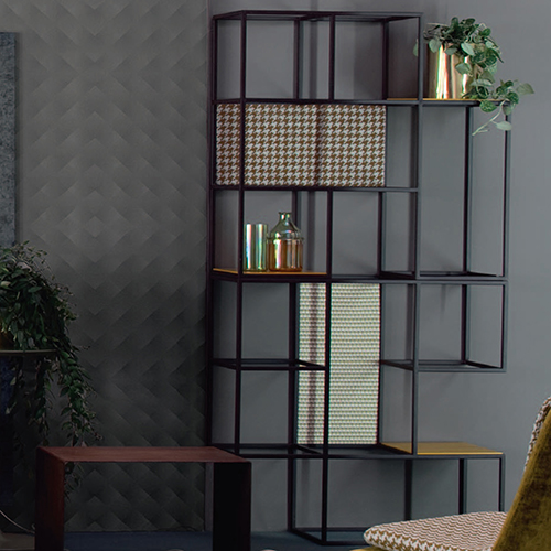 Twils espone Set dello Studio Viganò, il programma di divani che di recente si è ampliato con l'introduzione di un elemento libreria