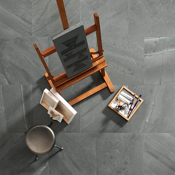 Una nuova linea di piastrelle in grés porcellanato effetto pietra per Ceramiche Caesar: si chiama Portraits ed è realizzata in otto diversi formati che spaziano fra le piastrelle 30x60 centimetri e le grandi lastre 120x240 centimetri. Per gli esterni invece ci sono le piastrelle spessorate 20 millimetri