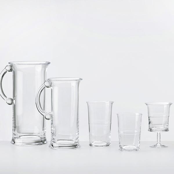 Jour è la nuova linea di bicchieri e caraffe per vino e acqua di Nude disegnata dal designer francese Inga Sempé