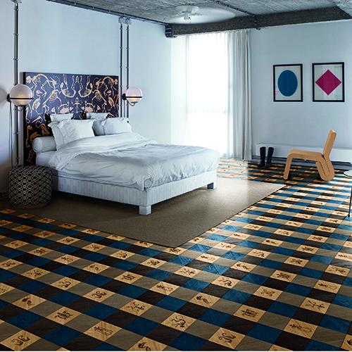 Gingham Blue, parquet in legno di rovere con motivi decorativi incisi al laser, formato quadrato (20x20 centimetri) - foto Dennis Brandsma