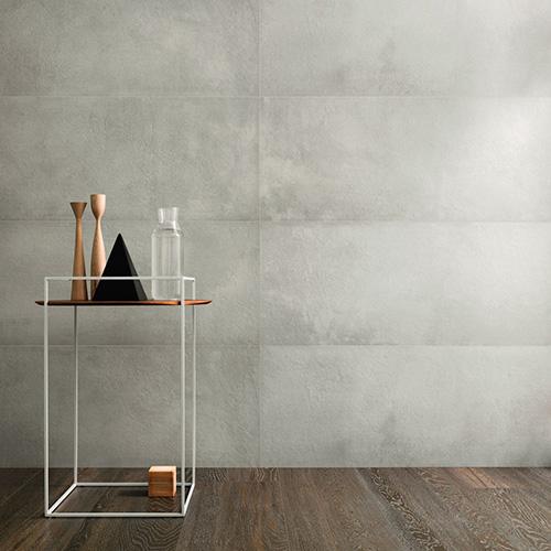 Terracruda è una materia ceramica nuova che si ispira ai materiali di costruzione antichi fatti di argilla e paglia essiccati al sole