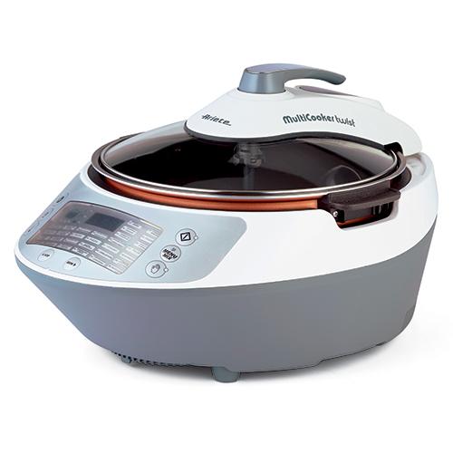 È padella elettrica, friggitrice, vaporiera, yogurtiera e anche forno. Il Multicooker Twist di Ariete offre 30 programmi di cottura, tra cui quello per preparare le zuppe (129,90 euro)