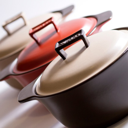 Sapore & Benessere sono le pentole di Wald in argilla adatta a ricette che hanno bisogno di cotture prolungate (78,80 euro)