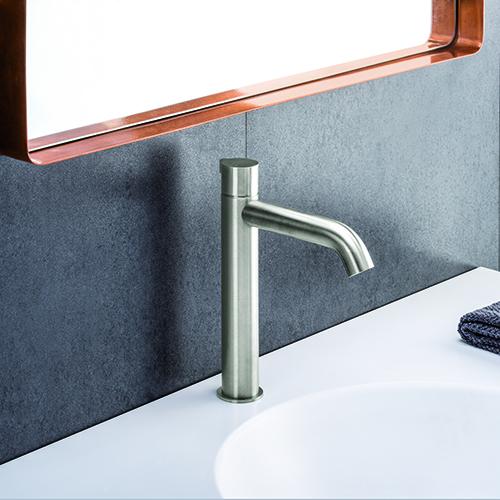 RX di Cristina Rubinetterie  permette di regolare la temperatura dell'acqua con estrema precisione