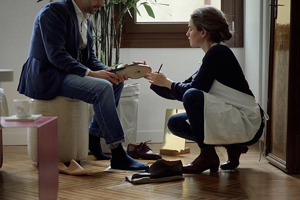 Casa Flora è anche incontri con artigiani che a Venezia portano avanti antichi mestieri, come sarti e calzolai per abiti e scarpe su misura (foto Valentina Sommariva)