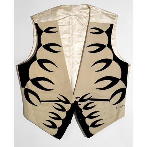 Panciotto di Tina Strumia, tarsia di panni su tela di cotone, fodera in raso di seta (1923-1924)