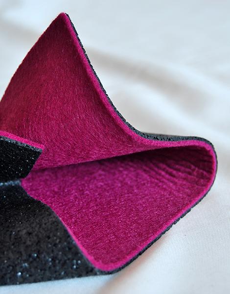 Il feltro lana è uno dei materiali innovativi presentati da Ecopneus-Matrec. Unito alla gomma riciclata dai pneumatici fuori uso è adatto per i rivestimenti delle pareti perché favorisce l'isolamento acustico