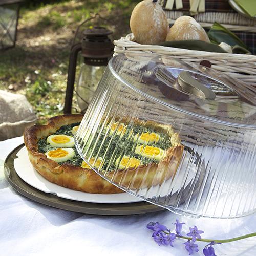 Il porta torte Folia di Bama per contenere, servire e proteggere torte salate o crostate di frutta  (prezzo indicativo 10,90 euro)