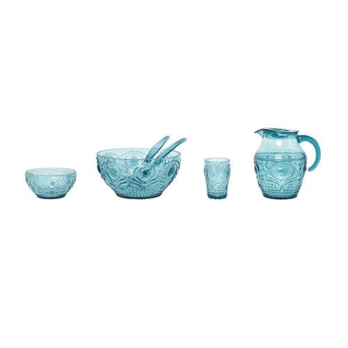 Apparecchiare come per la tavola delle grandi occasioni. La collezione di Coincasa è pratica perché realizzata in materiale plastico infrangibile (da 4,90 a 18,90 euro)
