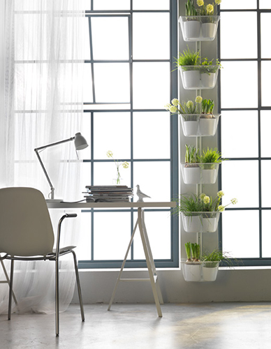 """<em>Algot</em> è la parete-cestello di <a href=""""http://www.ikea.com"""">Ikea</a> da personalizzare con le piante"""