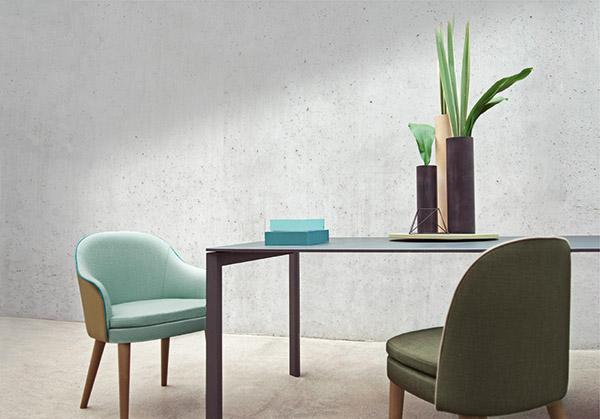 Dalla collaborazione tra Very Wood e Matteo Thun nasce la collezione Carmen. Si compone di sedute in faggio con sedile e schienale imbottiti e rivestiti in tessuto, vinile o pelle
