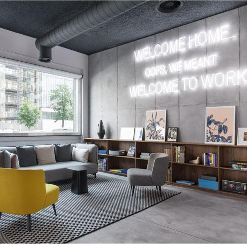 Spaces Milano è la nuova business community in Porta Nuova 21, firmata da Nicola Russi e Angelica Sylos Labini, architetti che nel 2008 hanno fondato a Milano lo studio Laboratorio Permanente di respiro internazionale (foto di Delfino Sisto Legnani e Marco Cappelletti)