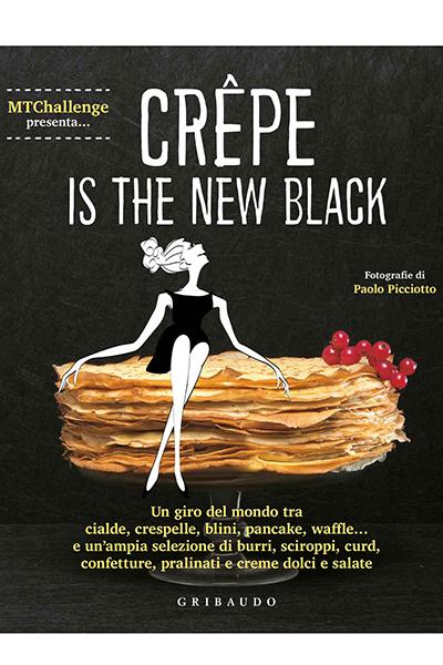 """<em>Crêpe is the new black</em> di Alessandra Gennaro (<a href=""""http://www.feltrinellieditore.it/gribaudo/"""">Gribaudo</a>, 160 pp, 14,90 euro) -Da sfogliare sotto l'ombrellone e mettere in pratica al rientro delle vacanze. Il giro del mondo in 40 ricette per scoprire tutte le infinite possibilità dolci e salate delle crêpe: piatti tradizionali e insoliti chesoddisfano più gusti, compresi vegetariani e vegani. Nel volume spazio anche alle variazioni di questo piatto come crespelle, galette, palacinke, blinis, pancake e waffle"""