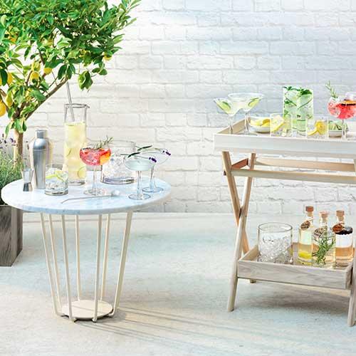 """Da<a href=""""http://www.lsa-international.com/"""">Lsa International</a>la collezione pensata per i cocktail a base di gin. I bicchieri sono realizzati in vetro soffiato (a partire da 26 euro)"""
