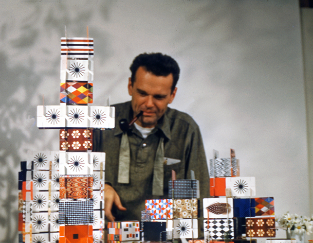 Charles Eames gioca con House of Cards, Pattern Deck, 1952