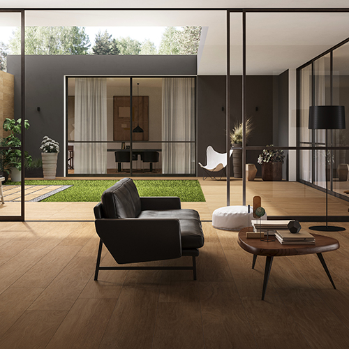 Un'alternativa al parquet: il gres porcellanato che interpreta il legno. Chic Woo di Ceramica Panaria è disponibile in 5 toni naturali