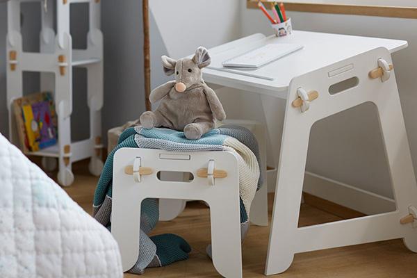 È da piccoli che si impara a stare seduti nella maniera più corretta ed è per questo che è molto importante scegliere la sedia adatta  che aiuti ad avere la postura più giusta (in foto un'ambientazione Zara Home)