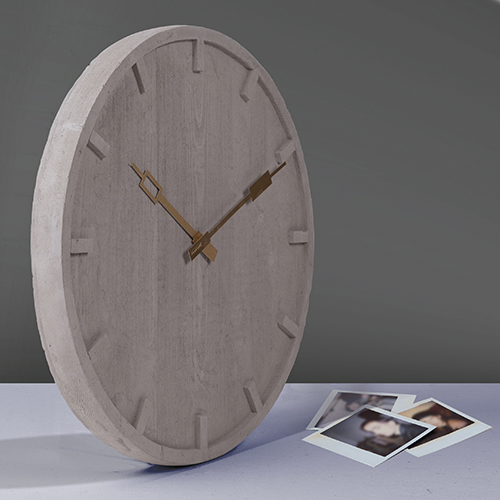 """<em>Memento</em> di Alessandro Zambelli per <a href=""""http://www.seletti.it"""">Seletti</a> gioca con i materiali: è realizzato in cemento, ma la sua particolare lavorazione imita l'effetto legno (145 euro)"""