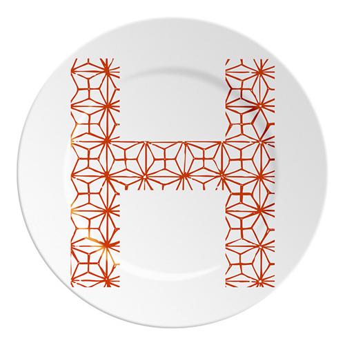 Piatto in porcellana di Ilaria.I  per servire o decorare la tavola  (6,80 euro)