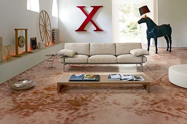 Il gres porcellanato effetto tappeto Grand Carpet, di Antonio Citterio e Patricia Viel per Marazzi, nel grande formato 120x240 centimetri, anche per esterni