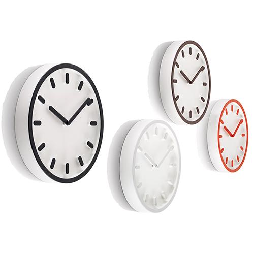 """<em>Tempo</em> di Naoto Fukasawa per <a href=""""http://www.magisdesign.com"""">Magis</a> è un orologio che fa dell'essenzialità la sua forza"""