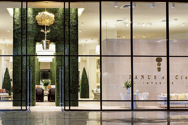 Janus et Cie apre a Milano in via Fatebenefratelli 15 il primo showroom in Europa. Qui in foto, quello di Los Angeles