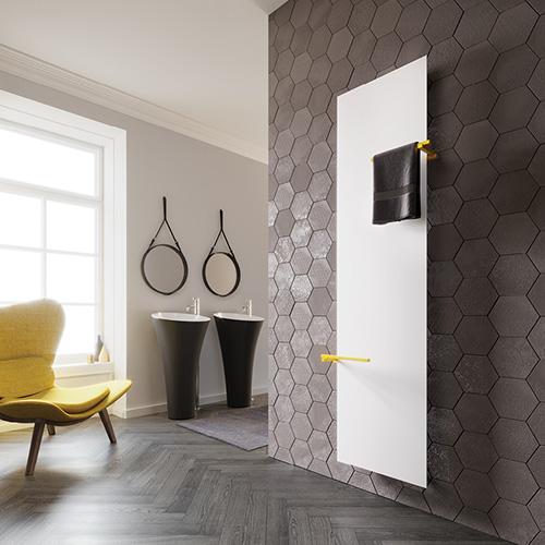 Gli accessoriLyneadi Cordivari aiutano a ottimizzare lo spazio trasformando la piastra radiante in un oggetto polifunzionale. Grazie all'impiego di porta asciugamani, appendini e mensole